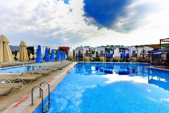 JASMIN BEACH HOTEL 4*