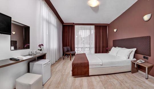 A 11 HOTEL 3*