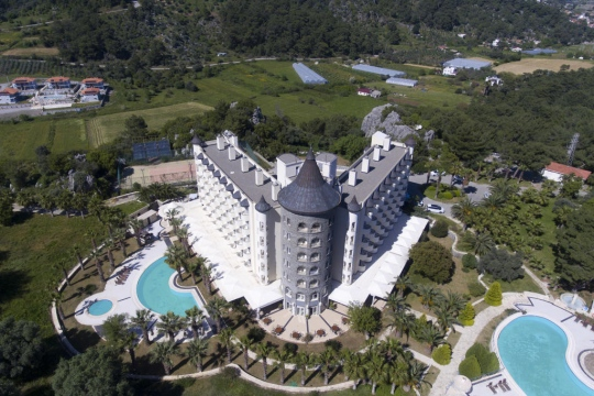 Почивка в CASTLE RESORT AND SPA HOTEL 4*
