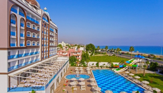 Почивка в AZUR RESORT & SPA 5*
